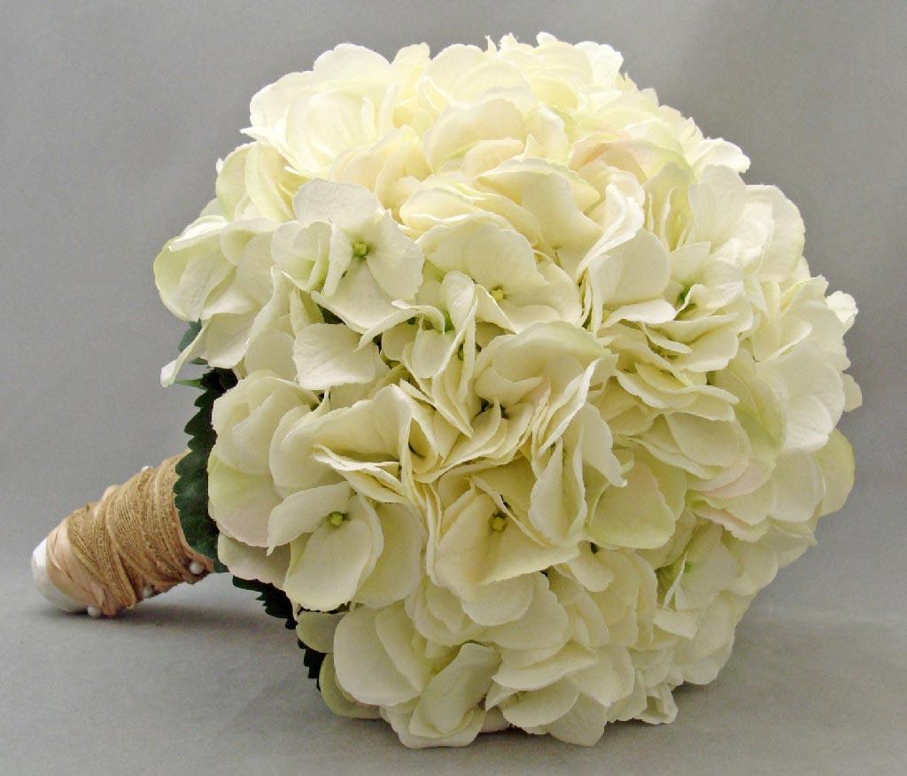 Свадебный букет только гортензия и розы — img 3