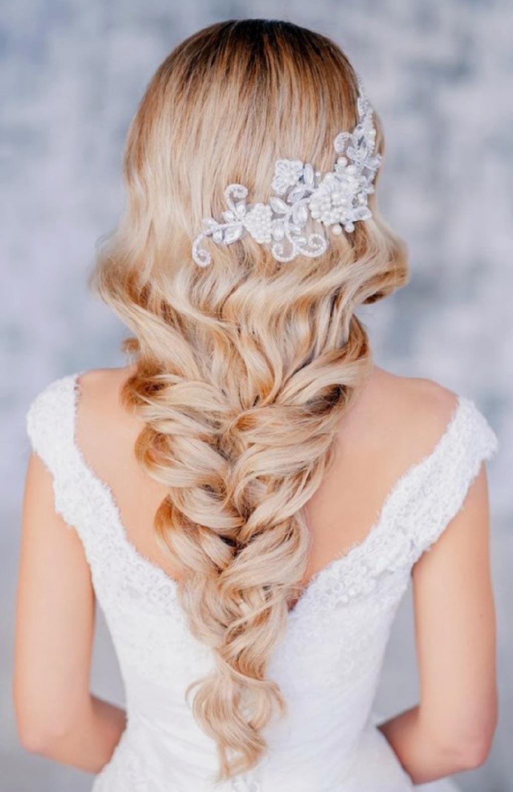 Свадебные прически на белые длинные волосы